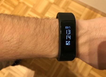 LaTEC Smart Bracelet bluetooth con display monocromatico per Android e iOS