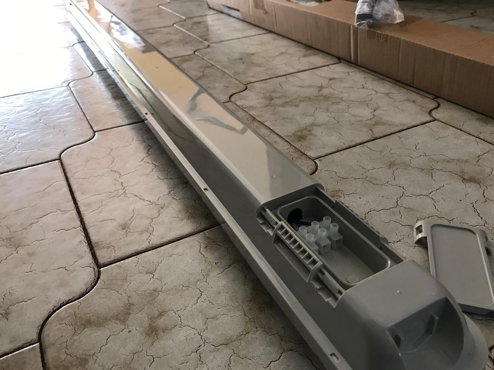 Plafoniere Neon Da Garage : J c plafoniera led da cm per esterno equivalente w