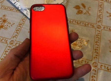 Prunus cover per iPhone 7 di colore rosso metallizzato