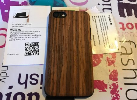 Tendlin cover per iPhone 7 con retro in legno di Sandalo Rosso, interno in TPU