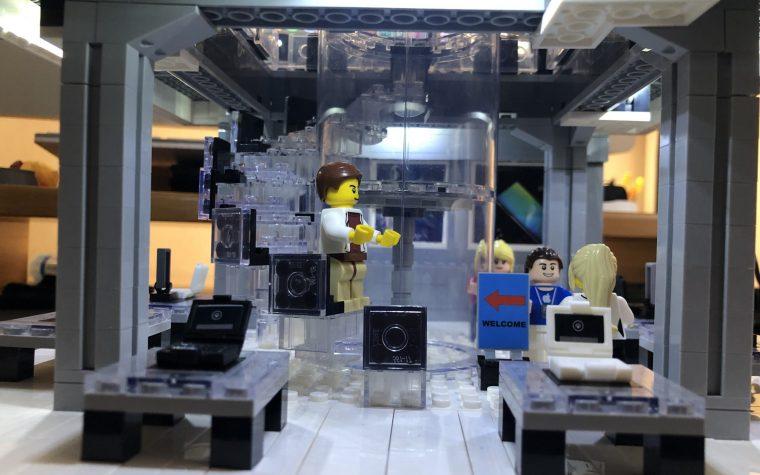 Apple Store NY di mattoncini tipo Lego